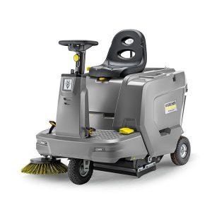 Barredora color gris, de uso profesional, su construcción compacta y su gran maniobrabilidad permiten trabajos de limpieza en cualquier situación donde haya un espacio reducido, pasillos estrechos o muchas esquinas