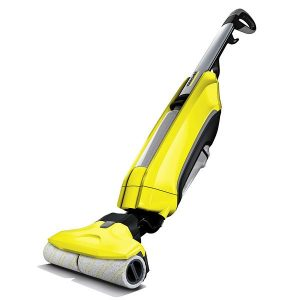 Fregadora de pisos color amarillo, permite limpiar y aspirar la suciedad tanto húmeda como seca en un solo paso